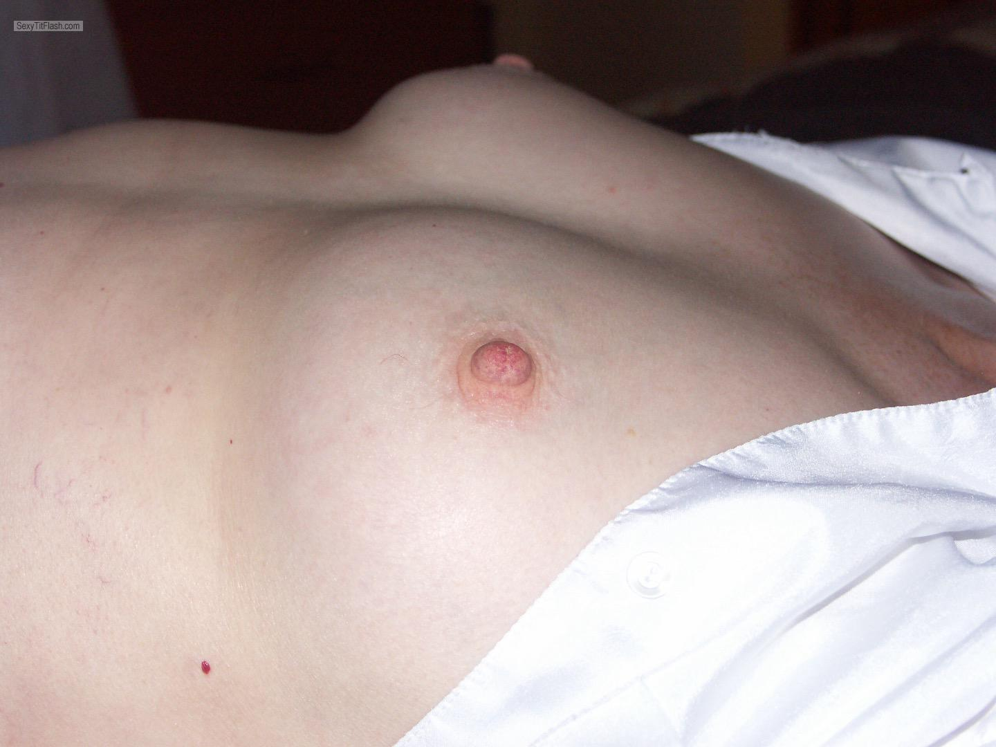 Tit Flash: Wife's Small Tits - Moll from United Kingdom